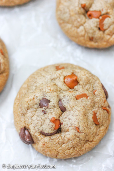 biscoff choco-cinnamon chip cookies